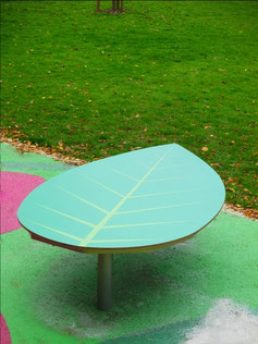 """Momo HPL play leaf"" - Play and seating platform in leaf shape made of HPL and steel - individual decor, desired color and desired size possible."
