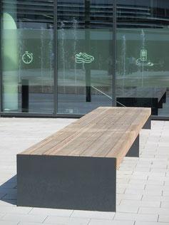 Esplanade XL Profile Bench