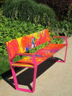 """Jazz 02 HPL Seat"" - Bench made of HPL and steel with armrests - individual decor and color coating possible!"
