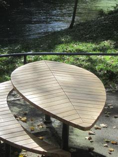 Helio Leaf Table