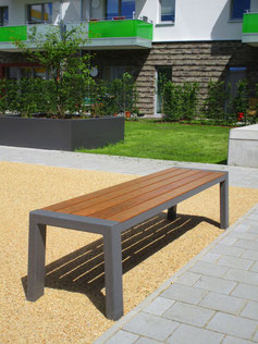 Mercure Bench