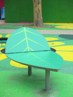 """Toto HPL play leaf"" - Play and seating platform in leaf shape made of HPL and steel - individual decor, desired color and desired size possible."