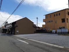 大運寺の南側にリルーエ駐車場があります