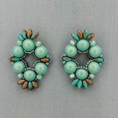 Ohrringe blass grün-altgold Cabochon Duo