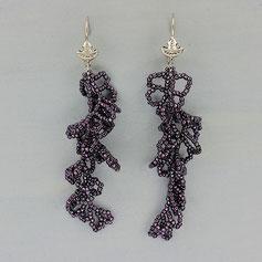 Ohrringe metallic lila Tohobeads