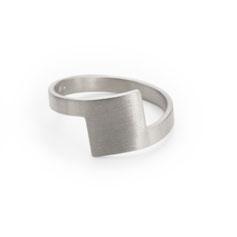 Ring, Sterling Silber, 925er, minimalistisches Design, Schmuckdesign, Schmuckdesignerin aus Düsseldorf, Maren Düsel Schmuckdesign, jewellerydesign, silver, made in Düsseldorf