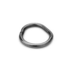 Ring, Silber geschwärzt, schwarz, oxidiert, minimalistisches Design, Schmuckdesign, Schmuckdesignerin aus Düsseldorf, Maren Düsel Schmuckdesign, hnadgefertigt