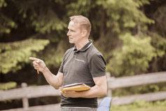 """Intenisver Verkäufer-Workshop """"Verkäufer-Camp"""" zur Leistungssteigerung im Vertrieb von Verkaufstrainer Thomas Pelzl"""