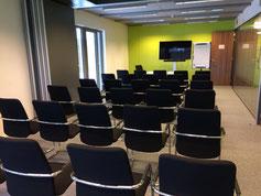 Salle de réunion chaises