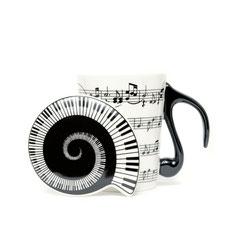 Tasse mit Musiklinien und Deckel Note