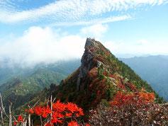 紅葉の石鎚山 Mt. Ishizuchi with autumn color