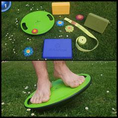 Balance-Board »Gyro« / Der ideale Kreisel für Physiosport / Physiotherapie, stärkt das Körpergleichgewicht & die Körper-Koordination, für Fitness und Spielspaß / Durchmesser ca. 40cm & Höhe ca. 10cm