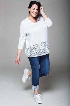 Un pantacourt en jean avec des perles et de la dentelle accompagné d'un top lui aussi en dentelle, total look glamour (Sophia Curvy)