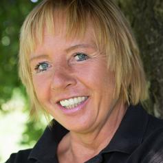 Martina Stendel von Petfit chemiefreie Hunde- und Katzennahrung