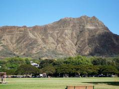 ハワイ オアフ島 カピオラニパークから望むダイアモンドヘッド