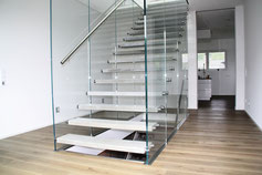 zur Glastreppe Flying Stairs hier klicken