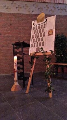 Allerheiligen 2019 Friedhof Andacht Kerze Staffelei Kirchenchor Nütheim Schleckheim
