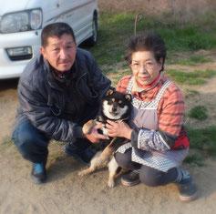 黒柴千ちゃんと一緒の写真
