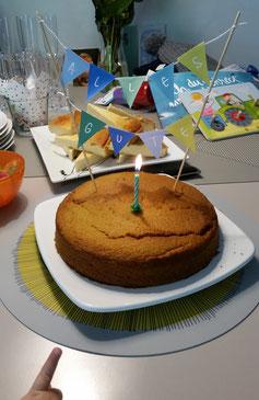 """Freebie - Druckvorlage für Cake-Topper """"Alles Gute"""" in 2 Farbvarianten"""