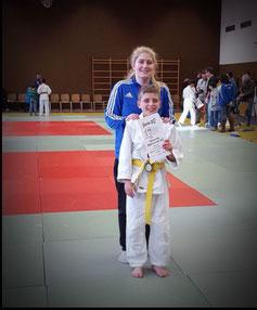 Robin Kutin mit Trainerin Jessica Günther