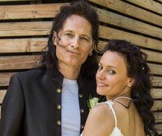 Das Inhaber-Paar Alexandra und Ralph Heidorn lächeln in die Kamera