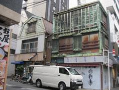 築地で見た看板建築