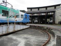 二俣駅の転車台と扇型車庫
