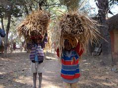 ラフールナガール村の子供達