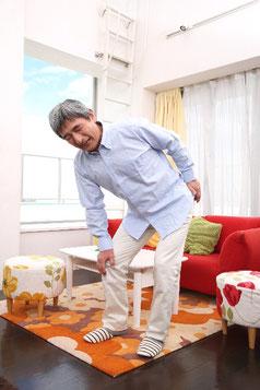 下肢のねじれからくる慢性腰痛