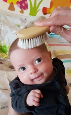 Babybürste Test, Baby Haarbürste Test, Babybürste, Bürste Ziegenhaar, Ziegenhaarbürste