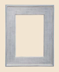 Moderner Plattenrahmen, Weissgold, blaues Poliment, Platte in kleinen Quadraten vergoldet