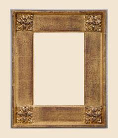 Plattenrahmen, Echtgold 23.75 Karat, mit Eckverzierung, Ausführung antik