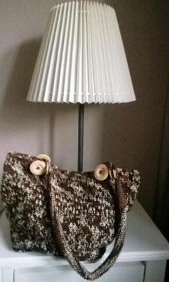 Kleine Shopper-Bag aus Sockenwolle braun