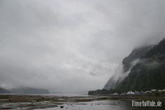 Neuseeland - Motorrad - Reise - Milford Sound bei Regen und Nebel