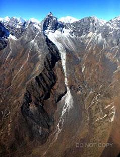 乱立するヒマラヤの山々 岡内完治
