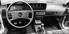 Übersichtlich und blendfrei: Commodore Cockpit