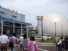 バイオガス生産工場を見学です