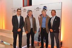 Ehrengäste Patrik Schmid (swisstriathlon), Stefan Marxer (LOC) und Helmut Kaufmann(Tri Austria) mit Präsident Philip Schädler