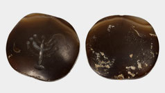 Ancient pendant with seven-branched candelabra menorah made of agate, Origin: Jerusalem, 1st century