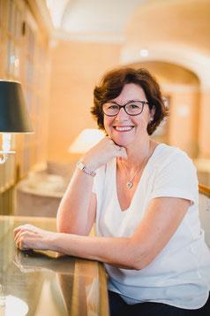 Véronique Plouvier, auteure et formatrice - annuaire de thérapeutes Via Energetica
