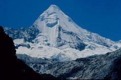 Nevado Artesonraju 6025m (Cordillera Blanca)