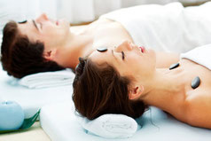 Paar-Massage Hot-Stone / Partner Hot-Stone Massage
