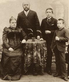 Firmengründer Lorenz Bolz mit Familie