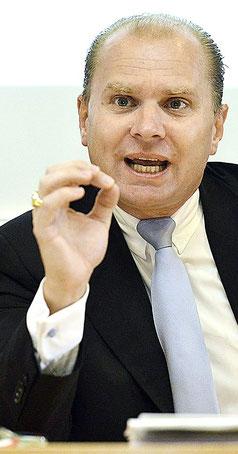 Der Waadtländer Regierungsrat Philippe Leuba sieht schwarz für die Landwirtschaft.
