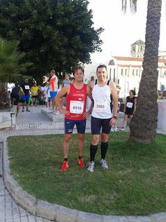 Vicente García, a la izquierda de la imagen, junto a un compañero de Rute.