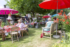 De Midsummerfair 2021 rondom De Oranjerie in Zeijen
