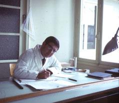 J.Dubosc-Marchenay à sa table de dessin