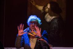 Abb.: Astrid Petermeier während eines Vortags über Artemisia Gentileschi.