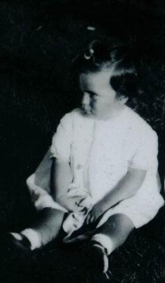 """""""Katiuscia"""" (Katarina Bebler), figlia di Risto Jelacin, commercialista, e di Damiana Bebler, pediatra, membri della resistenza jugoslava."""