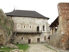 Жилий будинок і церква